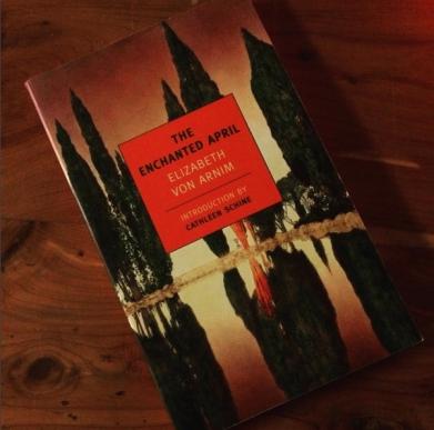 enchantedapril_instagram_bookworlderyvette